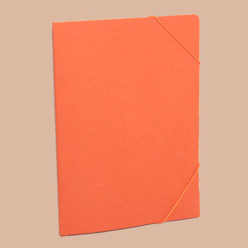Oranssi uusiopahvinen kulmakuminauhakansio.