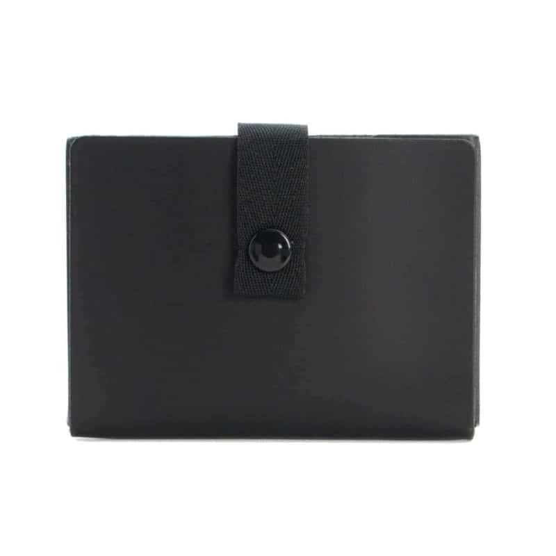 Black credit card case made of regenerated leather.