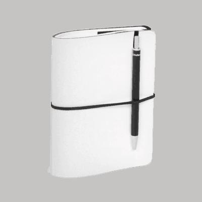 Valkoinen uusionahkainen Pocket -muistivihko.