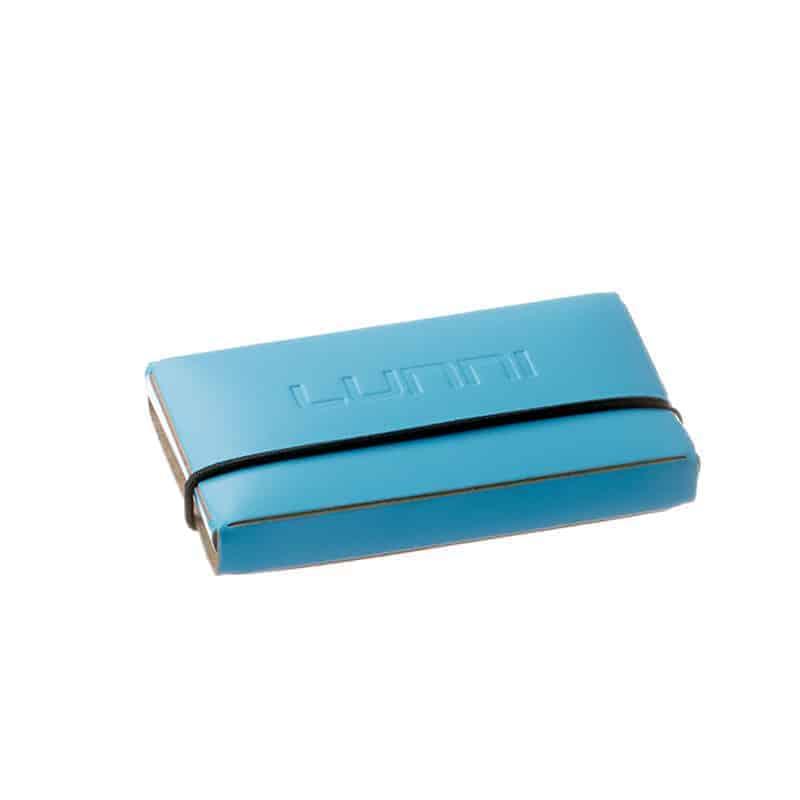 Lunni Oy käyntikorttikotelo, preeglattu logo takakannessa, uusionahka