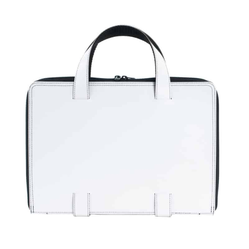 White Oliver laptop bag made of regenerated leather.